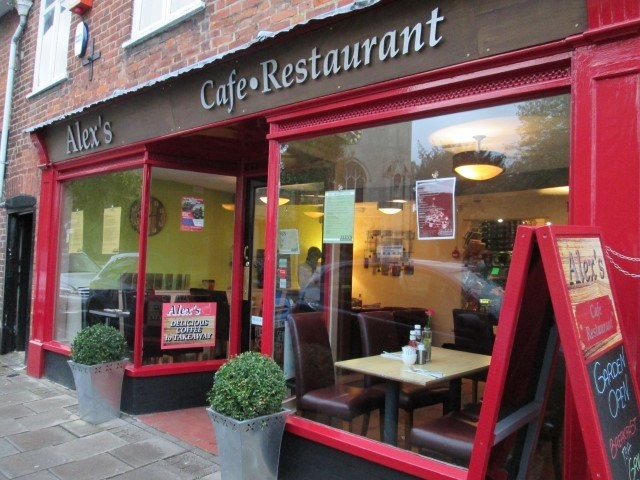 Local Restaurants: Alex's Cafe Restaurant Huntingdon